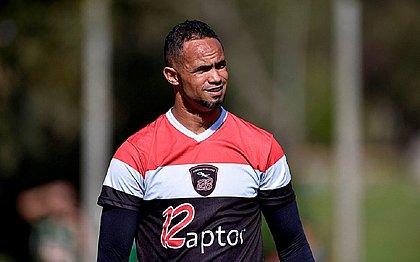 Presidente do Barbalha confirma acerto com goleiro Bruno