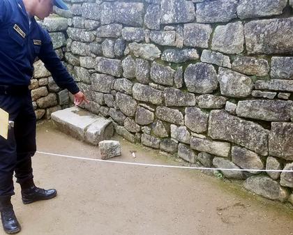 Pedra foi arrancada por um turista argentino