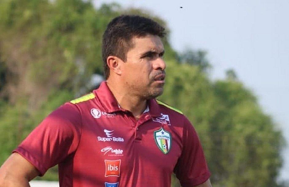 Vanderson agora é técnico; foto de quando treinava o Parauapebas, em 2019