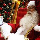 Até Papai Noel de shopping está de olho em promoções virtuais