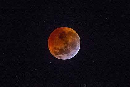 Eclipse lunar visto de Maturéia, na Paraíba, em janeiro deste ano