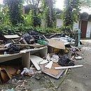 Limpeza de áreas externas é feita por outra empresa e já sofreu redução