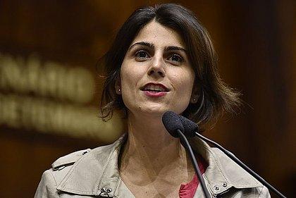 Hacker afirma que Manuela D'Ávila deu a ele o número de Glenn Greenwald