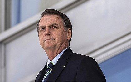 Bolsonaro dá entrada em hospital após passar mal durante voo