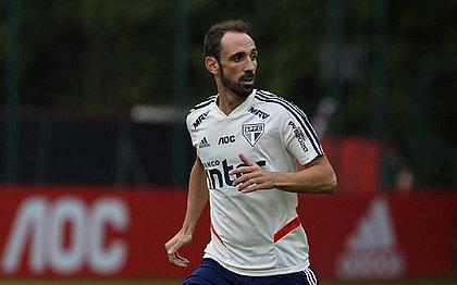 Juanfran aparece no BID e já pode estrear pelo São Paulo