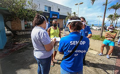 Fiscalização no bairro de Itapuã.