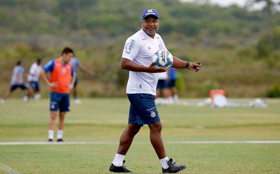 Roger vive os últimos dias da preparação do Bahia para a estreia na Copa do Nordeste