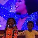 Ator adotou duas crianças na África: Titi e Bless