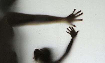 Agora é lei: condomínios são obrigados a denunciar violência contra mulher, idosos e crianças