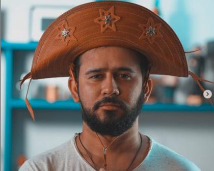 Poeta Bráulio Bessa é internado com covid-19 em Fortaleza