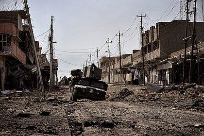 Soldados do Iraque encontram 500 corpos em valas comuns