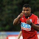 Bahia saiu atrás no placar e buscou resultado de empate graças ao gol de Guerra no segundo tempo