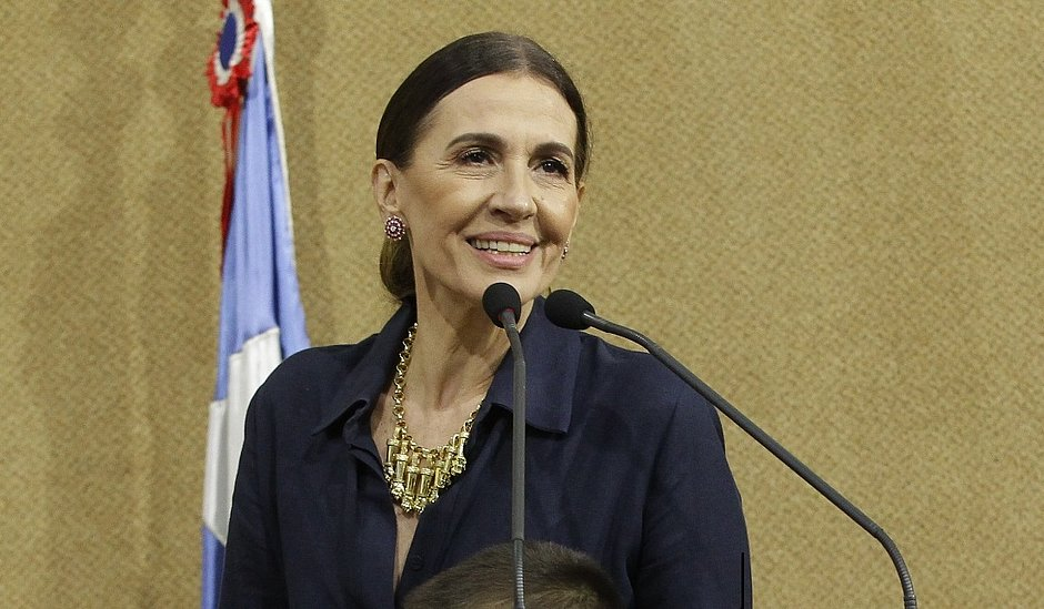 Flora Gil recebe título de cidadã baiana: 'só atesta o que eu já sou de coração'