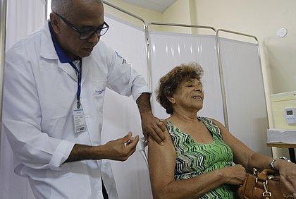 Campanha contra gripe deve imunizar 690 mil pessoas em Salvador