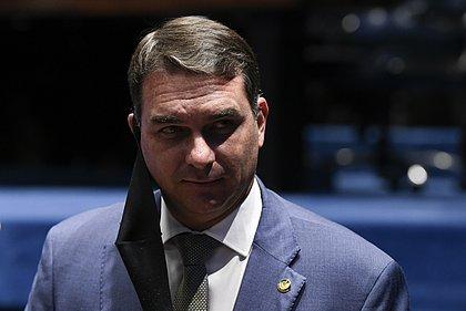 STJ derruba quebra do sigilo de Flávio Bolsonaro em caso das 'rachadinhas'