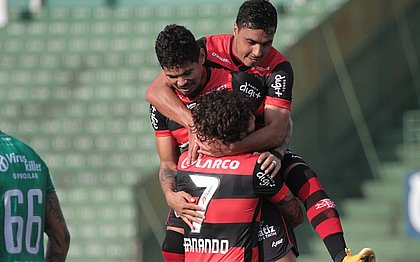 Técnico Rodrigo Chagas elogia coletividade do Vitória contra o Guarani