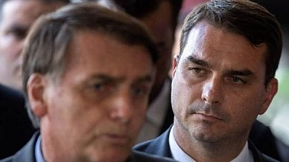 Decisão de deixar o PSL foi anunciada após reunião entre Bolsonaro e integrantes da legenda; Flávio também confirmou sua saída