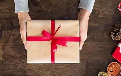 O presente atrasou?  Saiba o que fazer quando a compra online não chega no prazo
