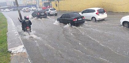 Chuva forte: Salvador entra em nível de alerta máximo para deslizamentos