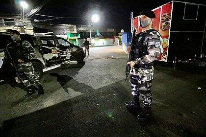 Polícia autua 23 pessoas por desrespeito ao toque de recolher