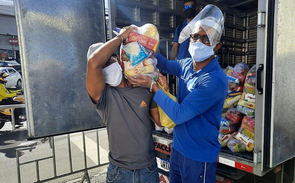 Pau da Lima: cadastro para comerciantes receberem cestas básicas termina quarta (1)