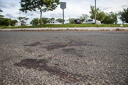 Um dia após o crime, restaram as marcas de sangue no asfalto e pesadelos na cabeça das vítimas