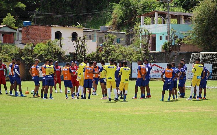 Com Gilberto, Bahia inicia preparação para jogo com Atlético-MG