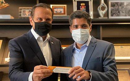 ACM Neto diz a João Doria que Salvador tem interesse em vacina chinesa