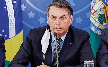 Sob pressão, Bolsonaro vai avaliar nomes para o Ministério da Saúde