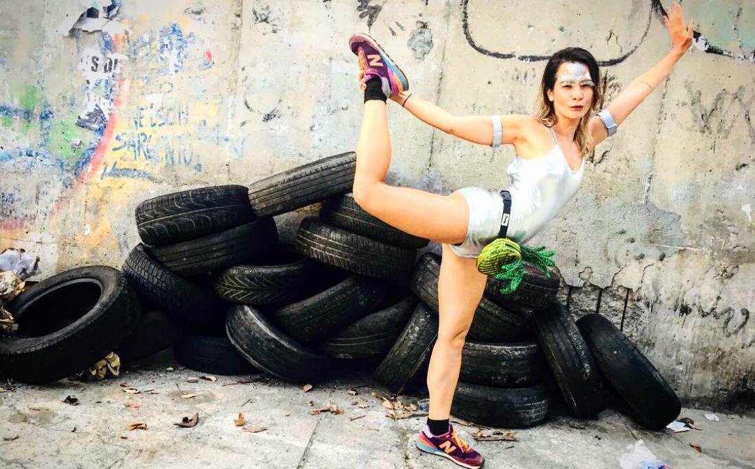 A cineasta e dançarina Carolina Falcão criou um cardápio saudável para cada dia de folia