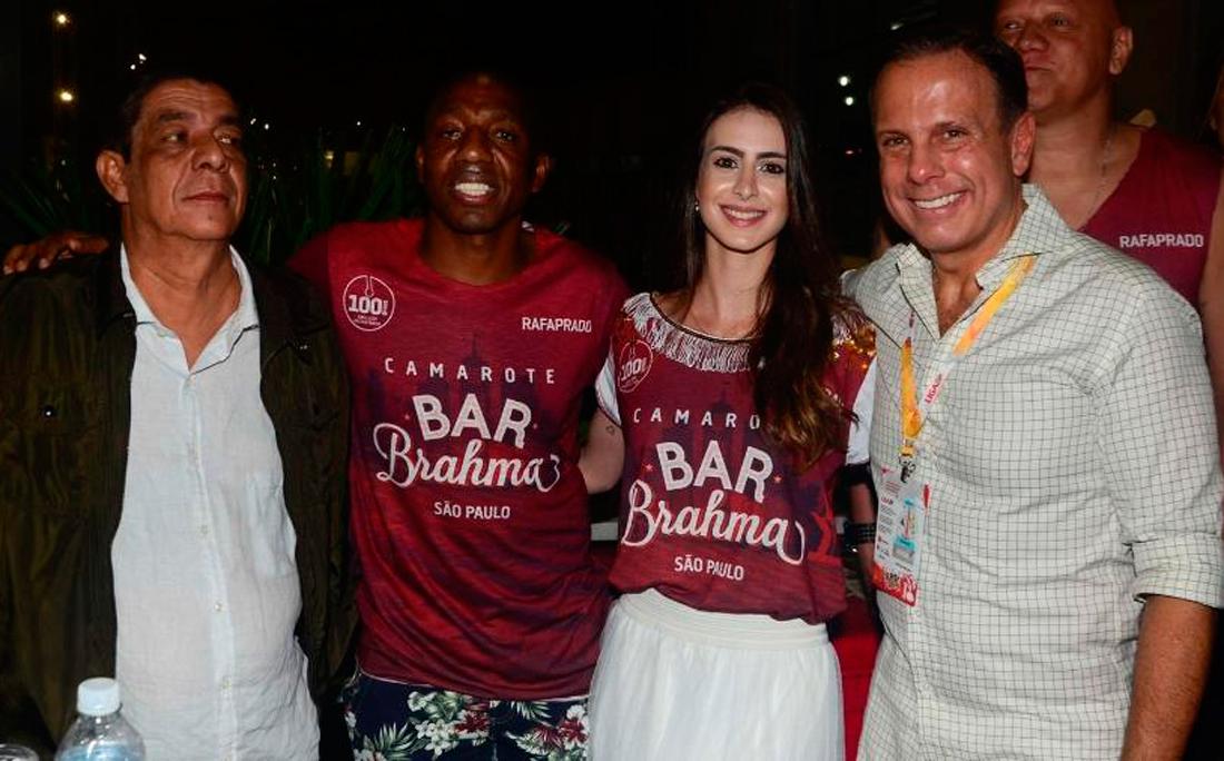 Zeca Pagodinho não gostou de tirar foto ao lado do prefeito de São Paulo