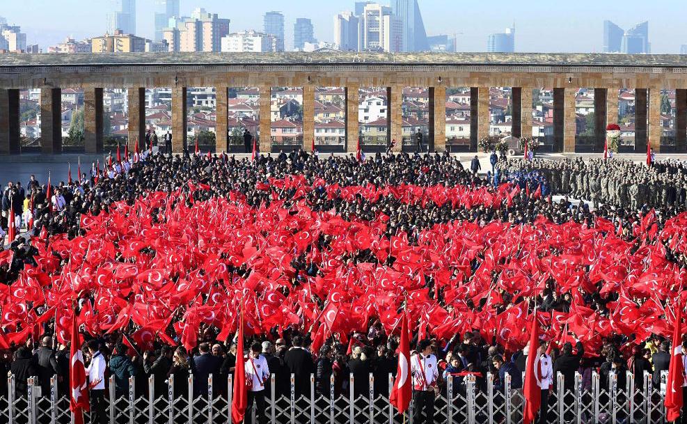 Dia da República, no Anitkabir, o Mausoléu de Ataturk,  fundador da moderna Turquia, em Ancara.