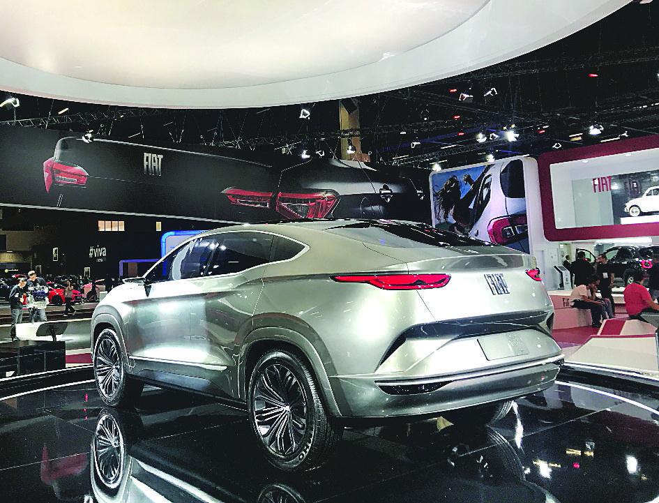 FIAT FASTBACK: Suas linhas podem esconder o utilitário esportivo que a Fiat está preparando para montar sobre a mesma base da picape Toro. Remete ao desenho do Renault Arkana, que chegará em 2020, e  modelos de luxo como o BMW X4 e Mercedes-Benz GLC Co