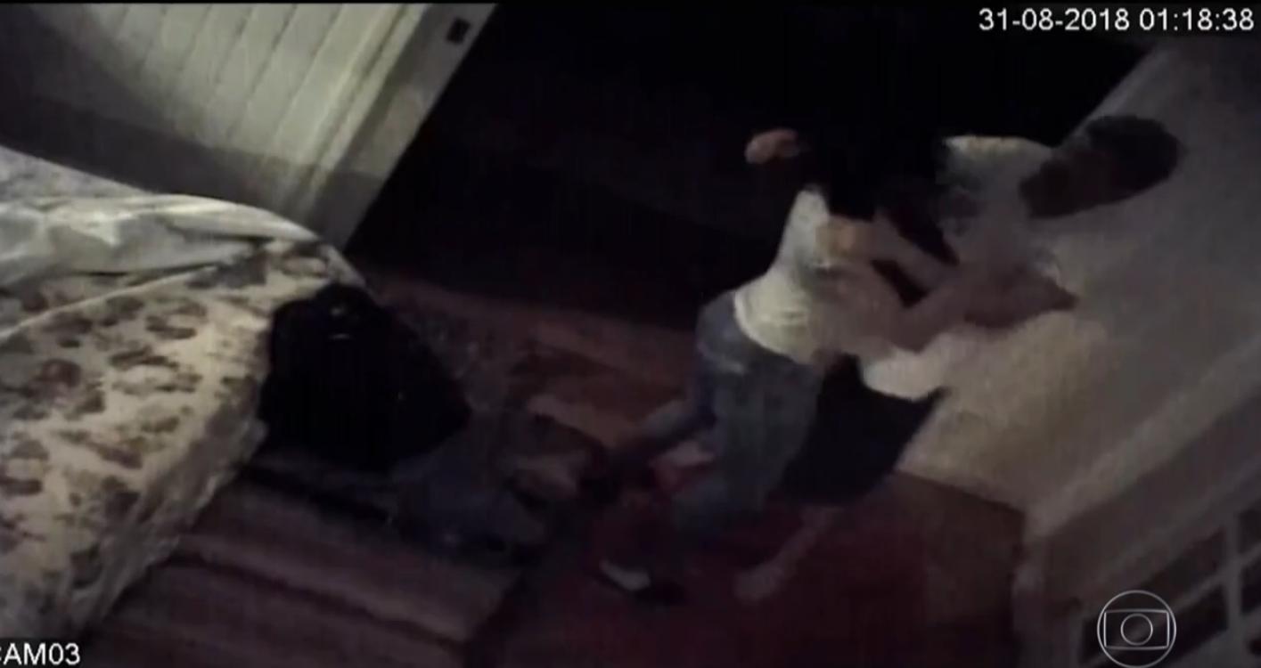 https://www.correio24horas.com.br/noticia/nid/atriz-instala-cameras-em-quarto-para-gravar-agressoes-do-marido-veja/