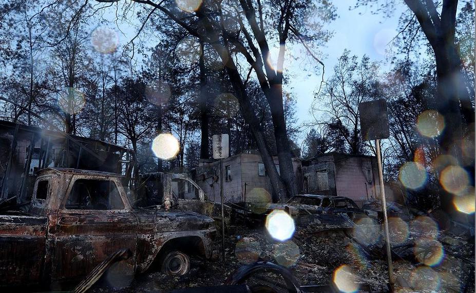 Destroços do incêndio em Paradise, na Califórnia. Alimentada por ventos fortes e baixa umidade, o fogo rasgou a cidade de Paradise , matou pelo menos 84 pessoas e destruiu mais de 18.000 residências e empresas.