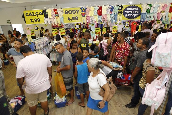 85cc12c9d Feira de gestante tem itens a partir de R$ 2,99; veja como economizar no  enxoval - Jornal CORREIO   Notícias e opiniões que a Bahia quer saber
