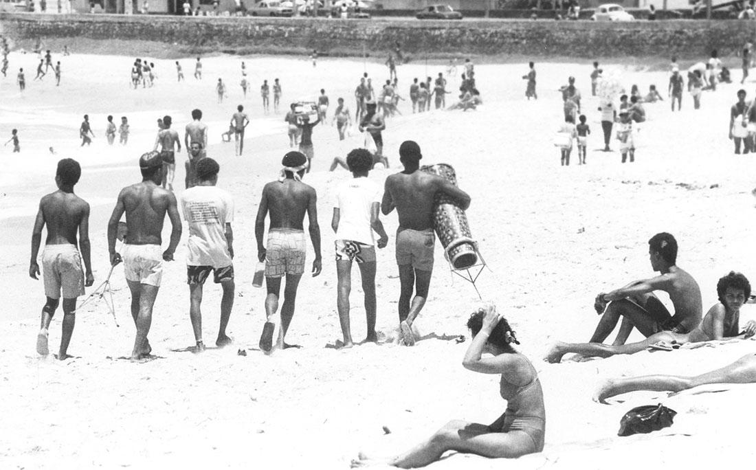 Praia da Pituba em 1990 dava gente!