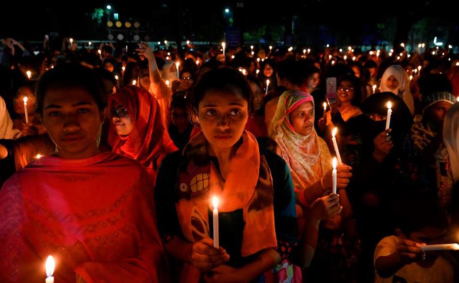 Vigília em Bangladesh.
