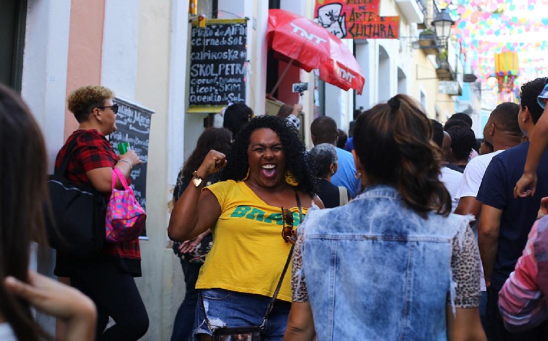 A vendedora Daniele Viana  apostou no 2x0 a favor do Brasil: ' elas fazem um trabalho muito bonito'