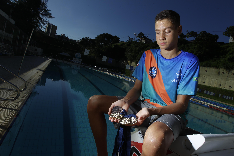 Samuel foi eleito melhor nadador infantil no Brasil nos últimos dois anos