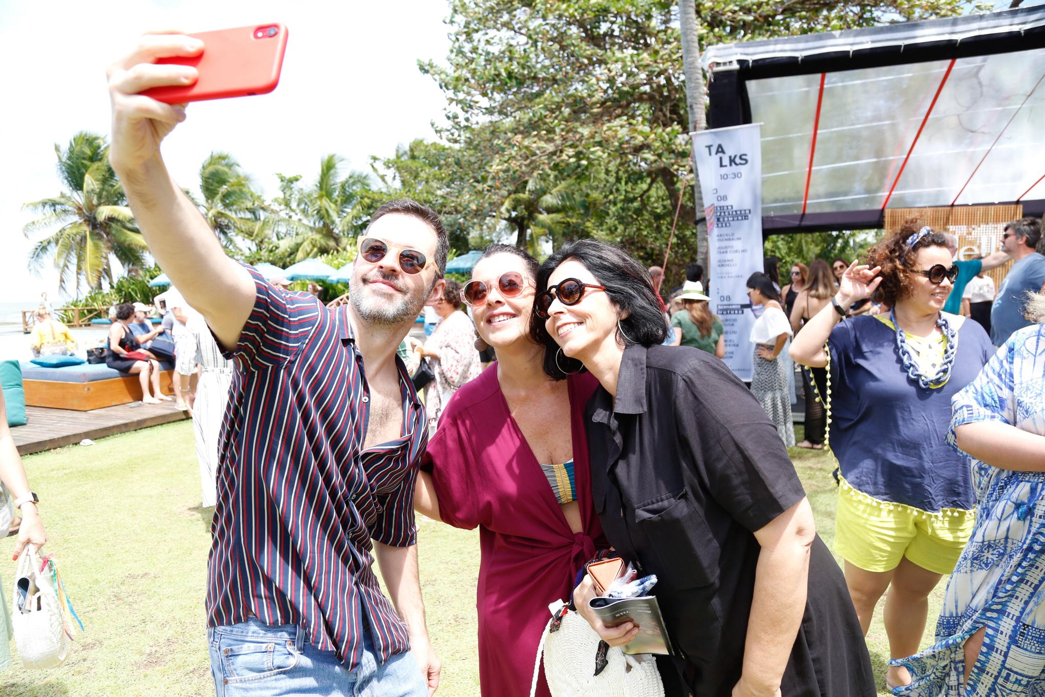 Mauricio Arruda nas selfies com fãs