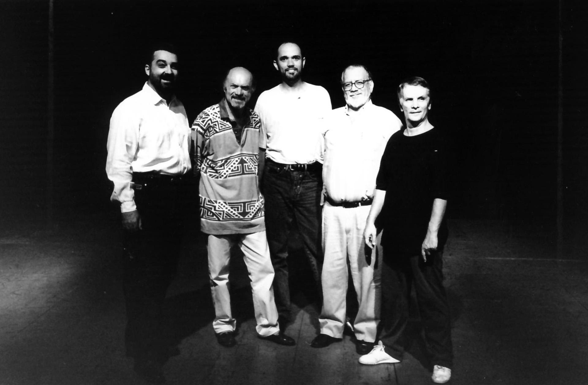 Paulo Dourado, Júlio Medaglia, Paulo Novais, Ildásio Tavares e Carlos Moraes estava à frente da versão de 1995