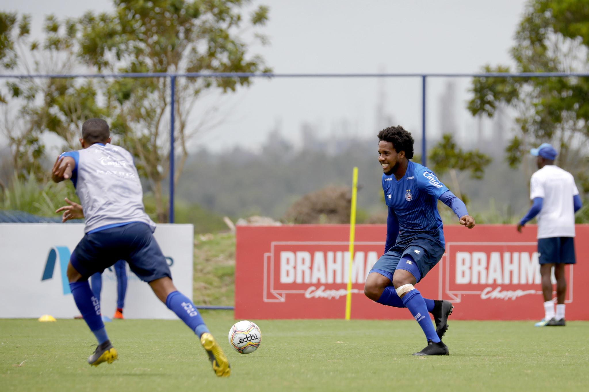 Jaques, zagueiro formado no Bahia