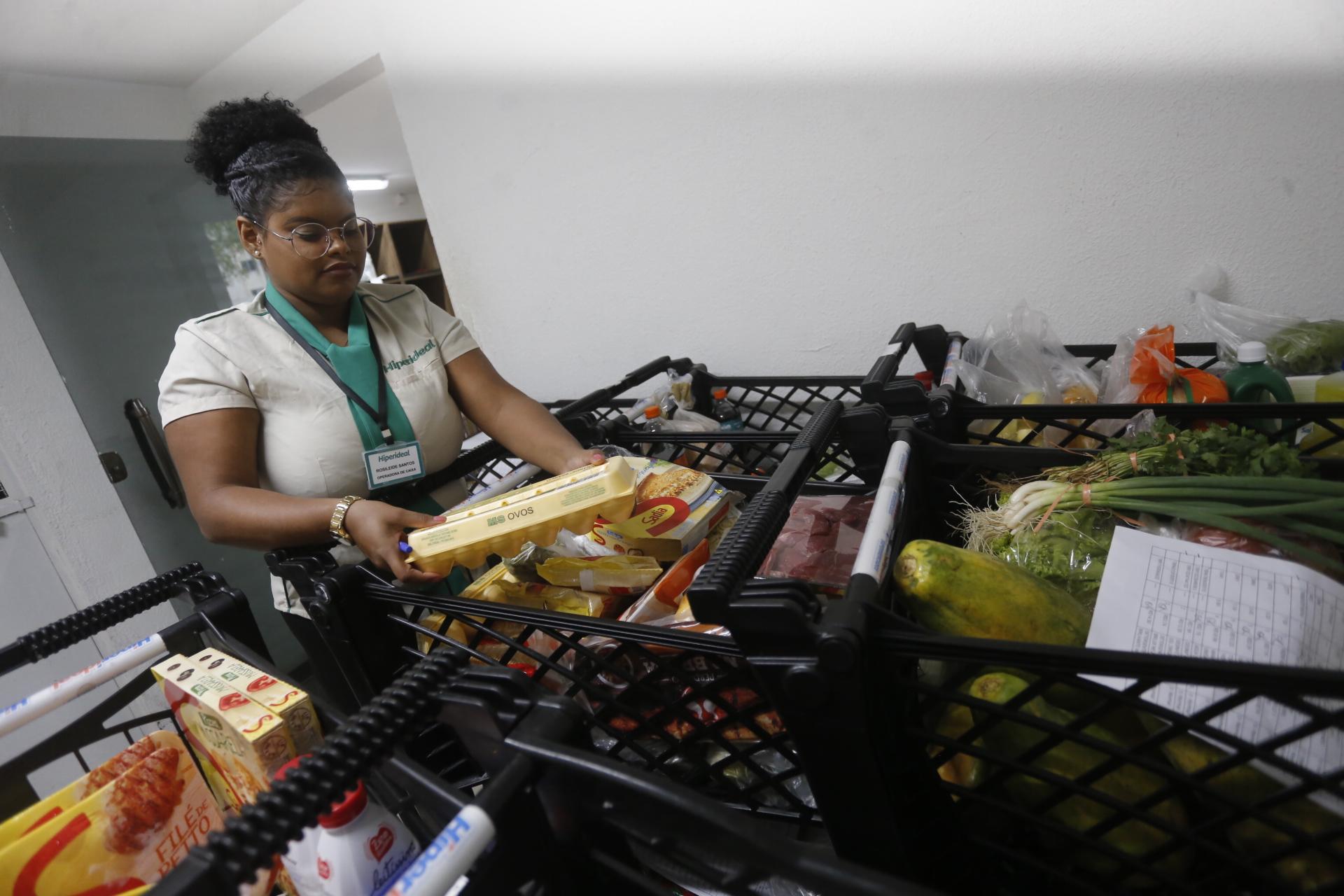 O decreto também recomenda que o serviço de delivery dê prioridade aos idosos