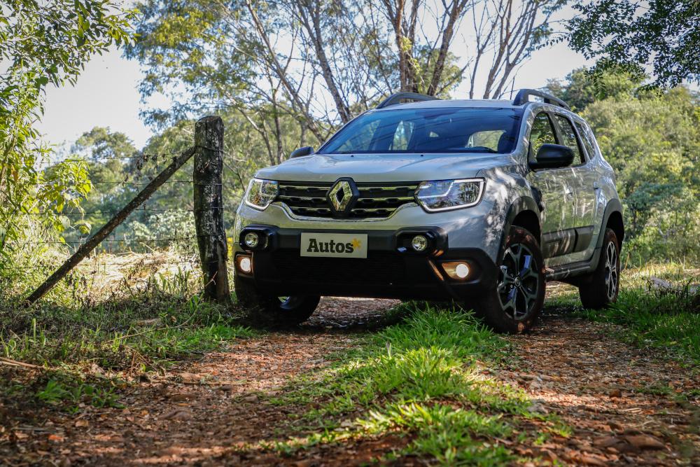 Atualizado este ano, o Renault Duster passou a contar com um detector de ponto cego em sua configuração topo de linha, a Iconic