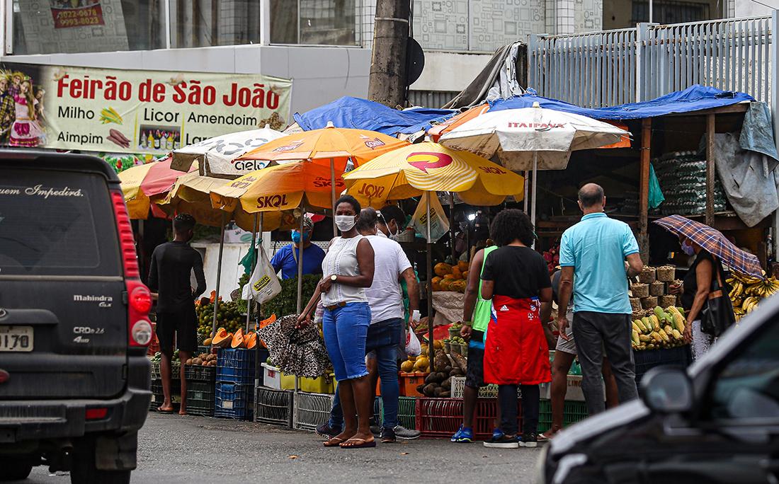 Brotas volta a registrar aglomerações e lidera o número de infectados pela covid-19 em Salvador.
