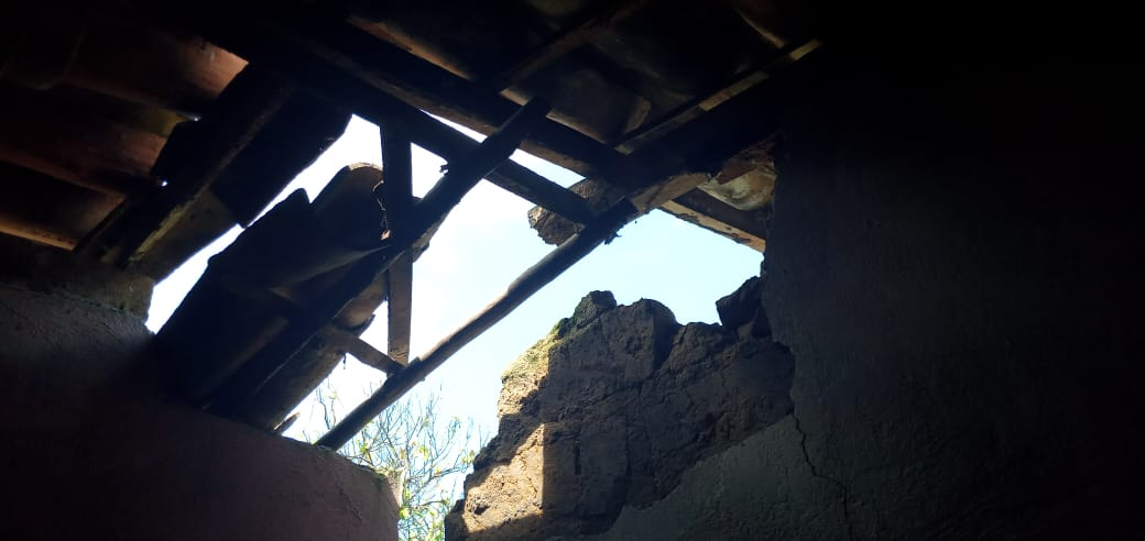 Estragos em casa de morador da comunidade de Feto que entrará para aluguel social da Prefeitura de Amargosa
