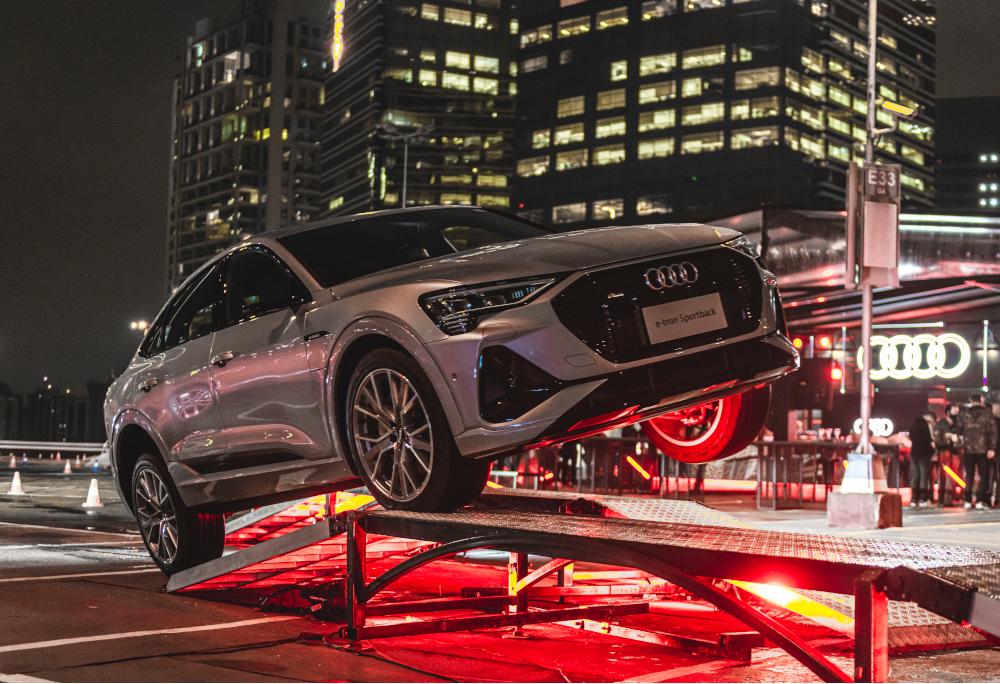 O Audi Sky Experience vai até domingo (27/09) no Shopping Morumbi em São Paulo