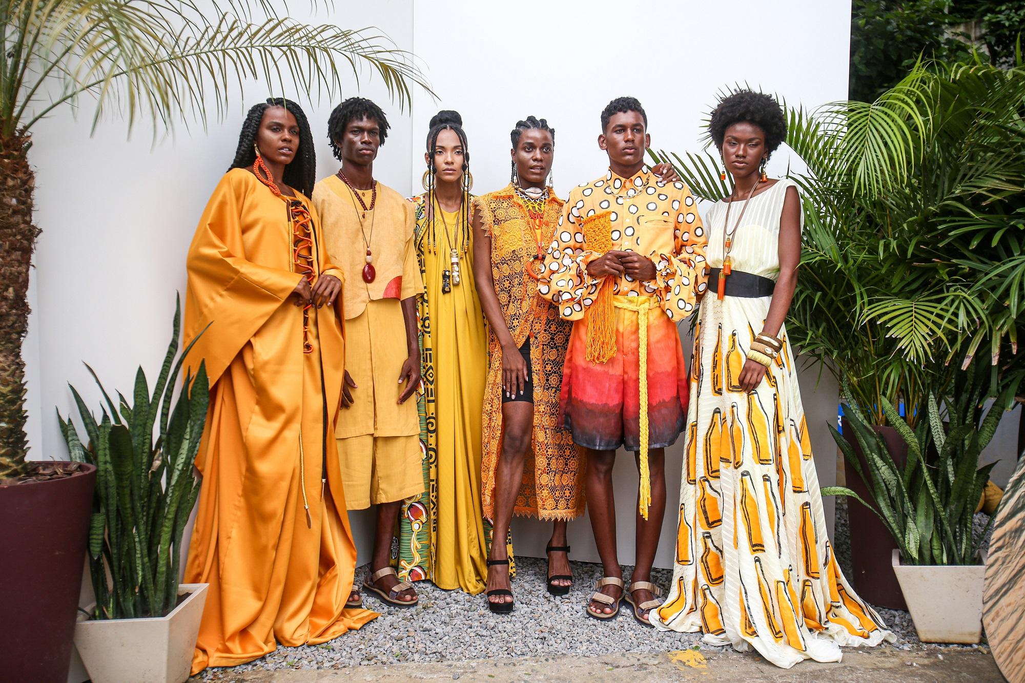 Modelos posam na Rede Bahia em primeiro dia de gravações