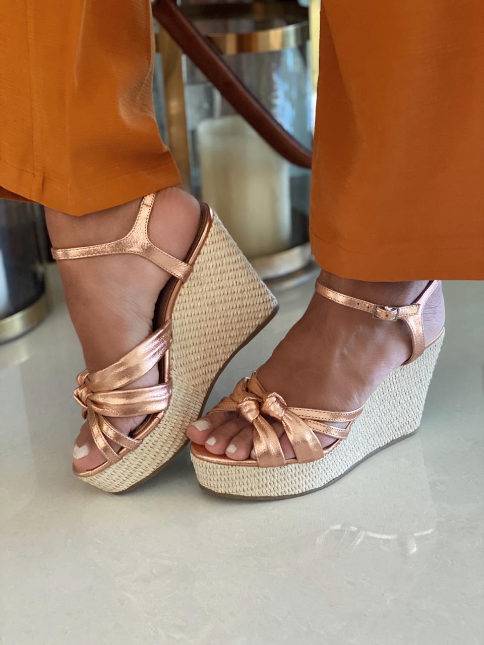 Shopping Paseo Itaigara: Via Zappa - calçados entre 30 a 70% de desconto